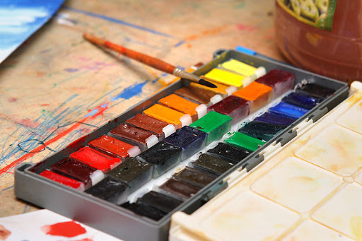 Философия и практика в абстрактной живописи: акварель, акрил, тушь, бумага