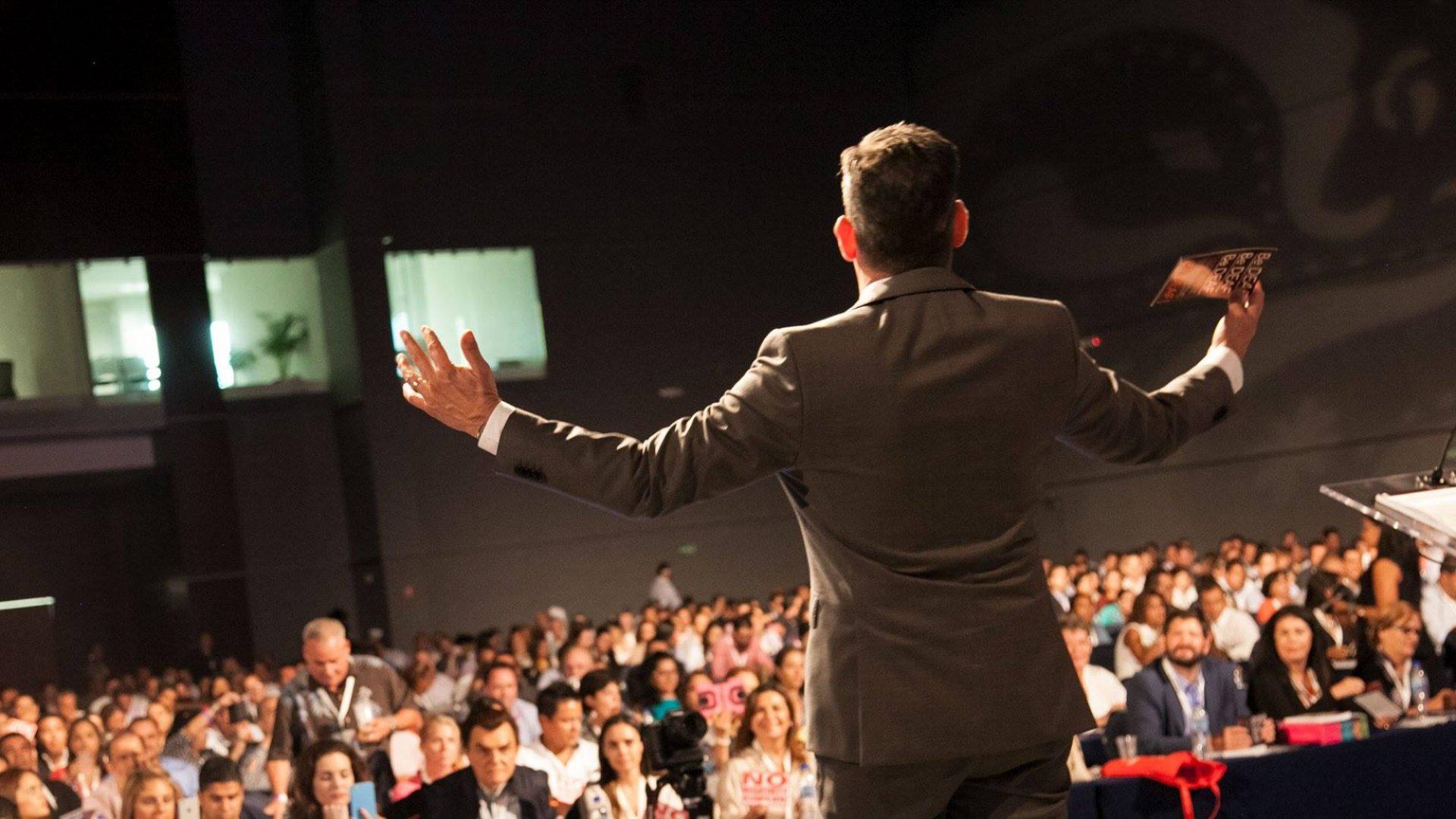 Оратор от бога