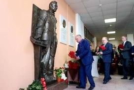 В Петербурге установлен памятник Жоресу Алферову