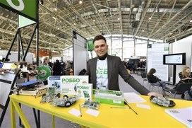 Около 6 тысяч педагогов России прошли обучение преподаванию робототехники
