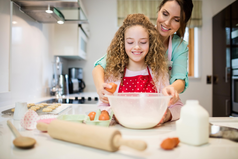 картинка дочь помогает маме красногорске подарят уютную