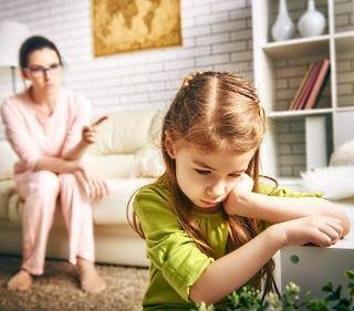 Каких крайностей надо избегать в воспитании ребенка?