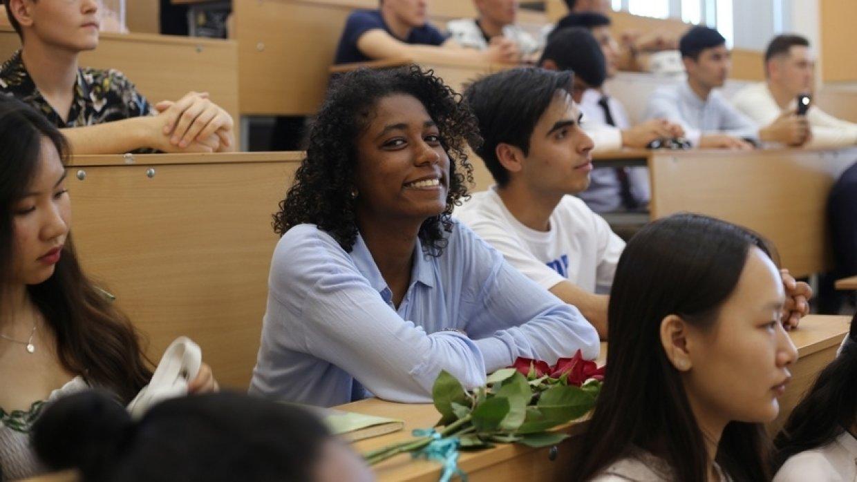 Количество обучающихся в вузах России иностранных студентов планируется увеличить