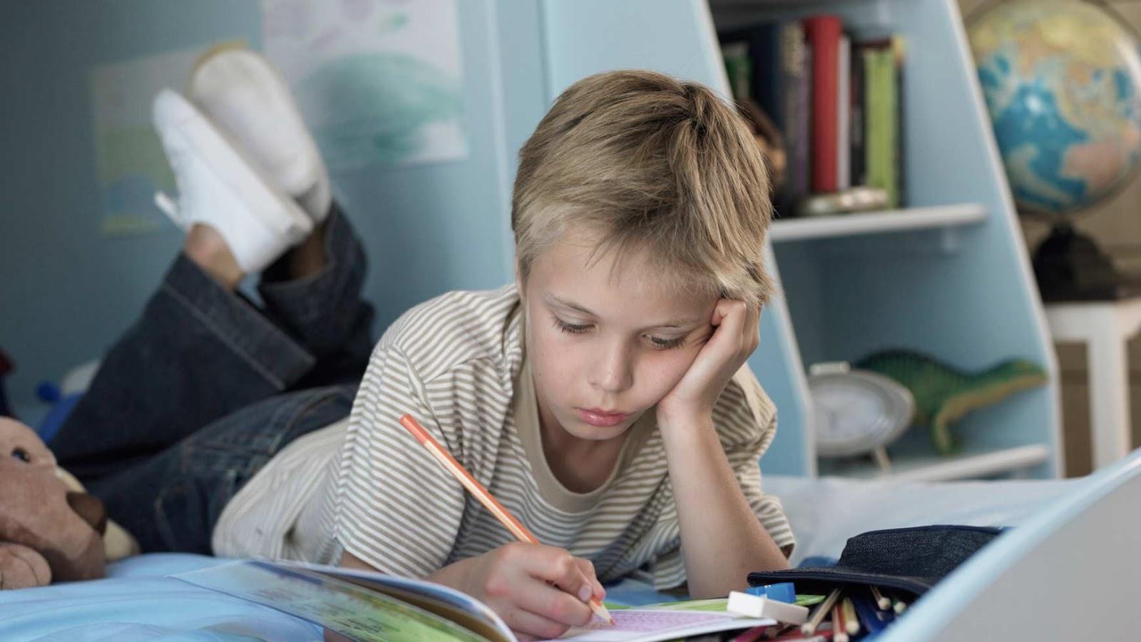 5 причин не делать домашнее задание за ребёнка