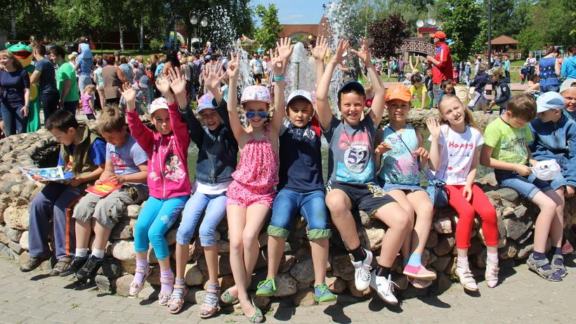 Министр Просвещения хочет сократить количество детей, отдыхающих в городских школьных лагерях