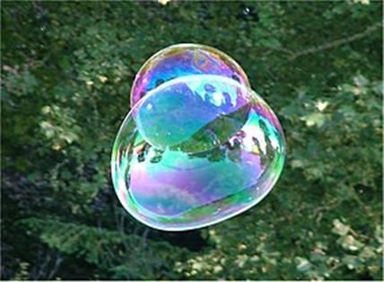 Картинки по запросу Короткая жизнь мыльного пузыря