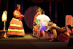 http://www.orsk-teatr.ru/up/photos/skazki/krasavica/img_5813.jpg