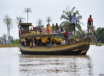 https://www.tourist-destinations.com/wp-content/uploads/2013/01/nigeria_kogi_boat_flood_reuters.jpg