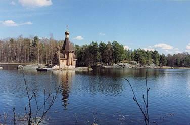 1139947_cerkov-v-lesu.jpg