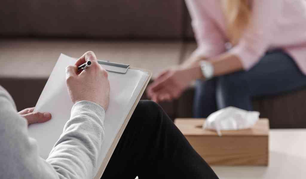 Педагогов могут обязать регулярно проходить психиатра
