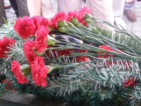 Зажги свечу памяти. Трагедия депортации немцев