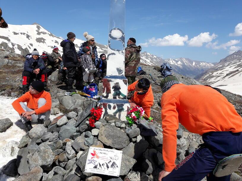 Таблички памяти для установления на перевалах