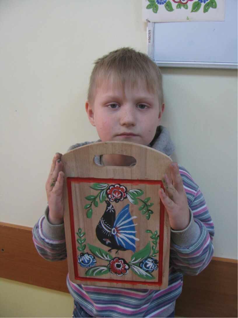 Расписные доски в городецком стиле.  Творческие работы  детей Арт-студии « Мир декора»